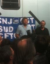 Highlight for Album: Manif soutient D.Porte - Stephane GUILLON / France Inter / juillet 2010