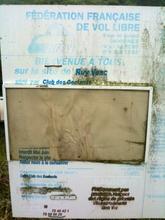 Vieux panneau du site de Vesc (Montagne de Ruy)