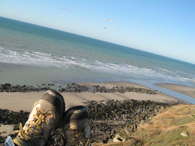 """et pour faire dans la photo de parapentiste classique: les pieds avec le paysage. """"comme ca on voit qu'on est en l'air"""" ;)"""