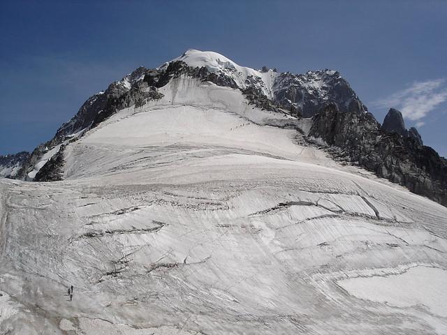 glacier des Grands Montets, petite aiguille Verte et aiguille Verte au fond