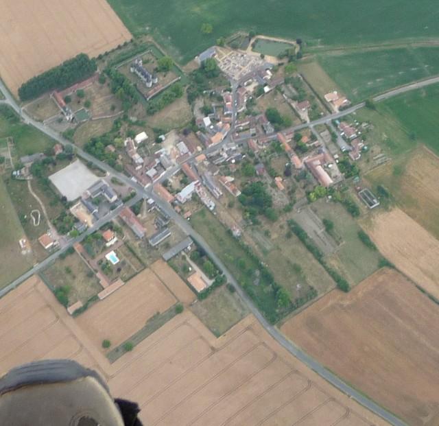 M1 Balise N°1, château de Coussay.jpg